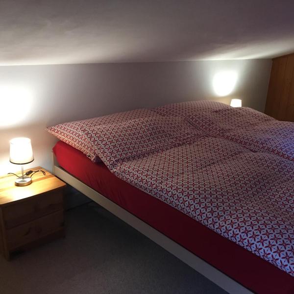 Schlafzimmer klein - Ferienwohnung Chalet Anemone Grindelwald